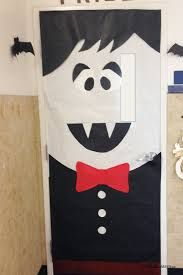 Are you in charge of the classroom door decorations for Halloween at your child\u0027s school? Check out these fun ideas to spook up the classroom door. & Halloween classroom door decorating contest. | Teaching Resources ...