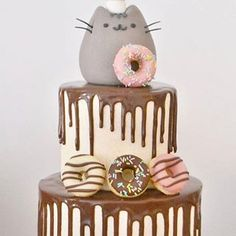 Pusheen cake - too cute Pretty Cakes, Cute Cakes, Cake Cookies, Cupcake Cakes, Cat Cupcakes, Pusheen Birthday, Cat Birthday Cakes, Pusheen Cakes, Bolo Tumblr