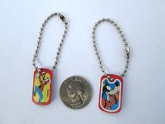 Disney-Goofy-Bright-Miniature-Dogtag-Charm-Key-chain-Backpack-Party-Favor