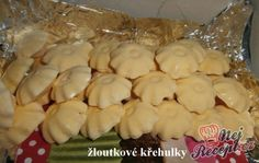 Žloutkové křehulky Hungarian Recipes, Christmas Cookies, Nutella, Garlic, Bakery, Food And Drink, Gluten Free, Cheese, Chicken