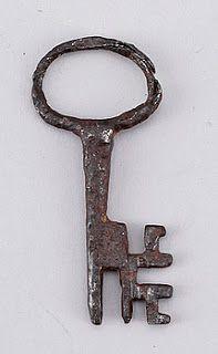 Vintage & Morrhår: Fixa stilen i Game of Thrones med svensk barock Antique Keys, Vintage Keys, Cles Antiques, Skeleton Key Lock, Door Knobs And Knockers, Under Lock And Key, Old Keys, Key To My Heart, Key Pendant