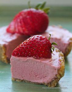 Raw Strawberry Lemon Cheesecake