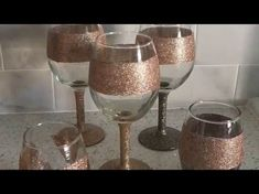 This is a video showing how to make glitter wine glasses aka glitter dip. These make a great gift. Glitter Wine Bottles, Glitter Wine Glasses, Diy Wine Glasses, Glitter Candles, Decorated Wine Glasses, Hand Painted Wine Glasses, Glitter Cups, Glitter Gif, Glitter Lipstick