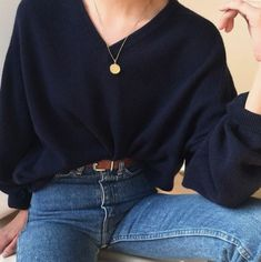 Oversized blouse and blue jeans Vintage Outfits Blouse Blue jeans Oversized Mode Outfits, Casual Outfits, Fashion Outfits, Womens Fashion, Cochella Outfits, Dress Casual, Casual Chic, Casual Shoes, Fashion Closet