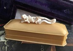 Check out this item in my Etsy shop https://www.etsy.com/uk/listing/548892896/antique-memento-mori-vanitas-carved