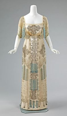 Edwardian evening dress, c. 1910-11    If I could choose an era of style that resonates with me the most, I think it would be the turn of the century....these are works of art!