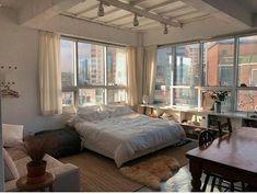 one room apartment Dream Apartment, Apartment Living, Apartment Goals, City Apartment Decor, One Bedroom Apartment, Living Room, Home Bedroom, Bedroom Decor, New York Bedroom