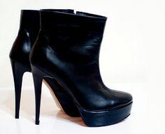 botine  toc: 13cm  platforma: 3cm  pret: 300 RON pt comenzi: incaltamintedinpiele@gmail.com Heeled Boots, Shoes, Fashion, High Heel Boots, Moda, Zapatos, Heel Boots, Shoes Outlet, Fashion Styles