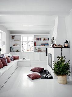 Christmas at the home of designer Tine Kjeldsen - NordicDesign