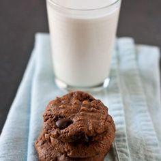 Flourless Chocolate Peanut Butter Cookies - Fitnessmagazine.com