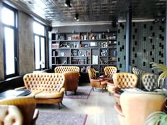 – EN – Strolling around Antwerp Zuid our eyes stumbled upon the Shilling corner. Color Tile, Photo Location, Leather Sofa, Perfect Place, Cosy, Tiles, Flooring, Interior Design, Furniture