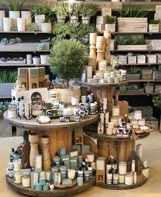 Boutique Store Displays, Gift Shop Displays, Boutique Decor, Shop Shelving, Candle Store, Store Interiors, Retail Store Design, Retail Merchandising, Farm Shop