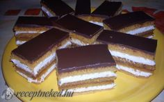 Érdekel a receptje? Kattints a képre! Cake Cookies, Cupcakes, European Cuisine, Hungarian Recipes, Tiramisu, Sweets, Ethnic Recipes, Food, Schmidt