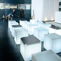 Lampa dekoracyjna | Cubo 50 by Slide Studio | biały - Makeithome.pl | Loving Creative Solutions