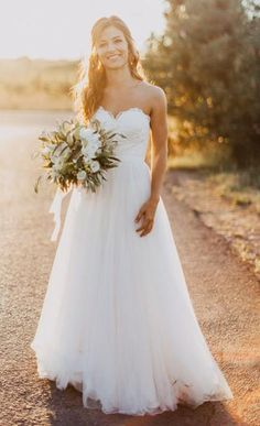 Glamorous prom dress A-line Strapless Sweetheart Neck Lace Up Sweep Train Bridal Wedding Dress