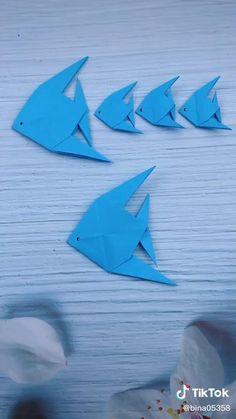 Instruções Origami, Origami Videos, Useful Origami, Origami Design, Origami Fish Easy, Paper Crafts Origami, Paper Crafts For Kids, Paper Flowers Diy, Paper Art