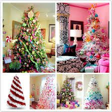 So many different ways to decorate the tree!!