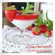 Bicchiere con mousse al limoncello e coulis di fragole Chiara Benedetti di Cucina e sapori qui trovate la ricetta https://drive.google.com/file/d/0BzvrFkLtcvg0eFl5dGdvLUQ0eVk/edit?usp=sharing