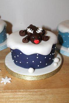 Mini reindeer cake  - Cake by Zoe's Fancy Cakes