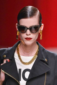 1b1d68a861f Moschino Spring 2014 Ready-to-Wear Beauty