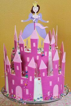 Cake cricut castle/princess cake
