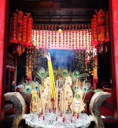 Kian Un Keng Shrine To remind us of goodness. Hidden Treasures, Bangkok, Respect, Thailand, Trust, Religion, Good Things, Painting, Instagram
