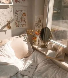 5 Good Habits To Add To Your Morning Routine Bedroom Apartment, Bedroom Decor, Bedroom Ideas, Eclectic Mirrors, Big Bedrooms, Floor Standing Lamps, Minimalist Furniture, Small Mirrors, Plant Shelves