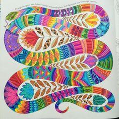 Finished the rainbow boa, a few parts I would like to change #tropicalwonderland #milliemarotta #arttherapy #adultcoloring #coloring #colouringbook #kleurenvoorvolwassenen #volwassenenkleurenook #kleuren #stabilo88 #staedtler #gelpen