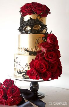 Luxury Custom Wedding Cakes in Daytona Beach FL | The Pastry Studio  #weddingideas #weddingcakes #cakes