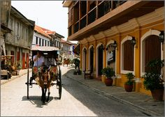 The most beautiful street in the Philippines can be found in Vigan — Calle Crisologo. It was restored to its pre-war beauty with its cobbled streets and old Spanish houses. It is the only town during World War II that. Puerto Princesa Subterranean River, Vigan Philippines, Wonderful Places, Beautiful Places, Places Around The World, Around The Worlds, Zen Place, Filipino Culture, Colonial Architecture