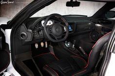 Samochody marki Lotus nie są najpopularniejszą bazą do modyfikacji. Już w serii przystosowane są do zapewnienia maksimum radości z jazdy, kosztem wygód oraz wymyślnego designu. Na rynku znajdziemy jednak kilka pakietów modyfikacji dla Lotusów, a jednym z nich jest zestaw Mansory dla modelu Evora.  Więcej informacji: http://gransport.pl/blog/mansory-lotus-evora/