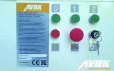 Το αναβατόριο EASY LIFT κατασκευάζεται στην Ελλάδα από την Aviek. Είναι εναρμονισμένο με τις Ευρωπαϊκές οδηγίες Μηχανών 42/2006 ΕΚ και σύμφωνα με το πρότυπο BS EN81.42/2010. Με την αγορά του δίνεται δήλωση συμμόρφωσης CE.