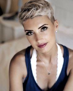 Hair white blonde pixie haircuts Ideas for 2019 Hair Color For Women, Short Hair Cuts For Women, Short Hairstyles For Women, Short Pixie Haircuts, Pixie Hairstyles, Trendy Hairstyles, Saree Hairstyles, Woman Hairstyles, Baddie Hairstyles