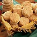 Mom's Buttermilk Biscuits Just made these and they're the best biscuit recipe I've made! Buttermilk Bisquits, Southern Buttermilk Biscuits, Homemade Buttermilk, Breakfast Recipes, Snack Recipes, Cooking Recipes, Snacks, Cajun Cooking, Recipes