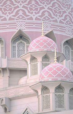 The Putra Mosque - Masjid Putra - is the principal mosque of Putrajaya, Malaysia Detail Architecture, Mosque Architecture, Beautiful Architecture, Beautiful Buildings, Art And Architecture, Putrajaya, Temples, Beautiful World, Beautiful Places