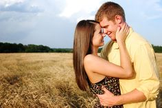 Engagements - Jessica Nadine Photography #wheat #field #engagement #pose #country