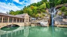 The Breathtaking Waterfall Restaurant In Missouri Where The View Is As Good As The Food Weekend Trips, Day Trips, Weekend Getaways, Places To Travel, Places To See, Dogwood Canyon, Vacation Spots, Vacation Ideas, Vacation Places