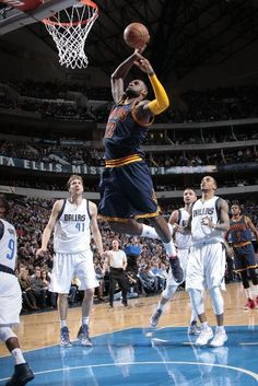 Cleveland Cavaliers vs. Dallas Mavericks - Photos - March 10, 2015 - ESPN