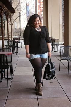 plus-size shorts outfit idea