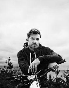 Nikolaj Coster-Waldau ; this man is art.