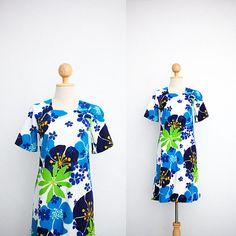 3fd43ee5f71e Vintage Dress | 70s Hawaiian Dress | White Cotton Mini A-Line Dress | Tiki  Party Dress | Tropical Hibiscus Print | Bell Sleeve | Muumuu XS