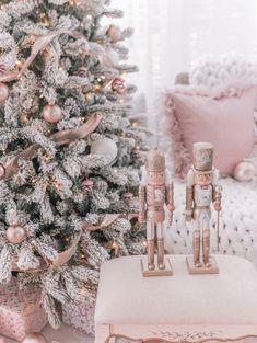 pink christmas tree, pink christmas decorations, rose gold christmas, pink and gold holiday decor, glam holiday Pink Christmas Tree Decorations, Elegant Christmas Decor, Shabby Chic Christmas, Christmas Aesthetic, Rustic Christmas, Christmas Mantels, Vintage Christmas, Black Christmas, Christmas Room