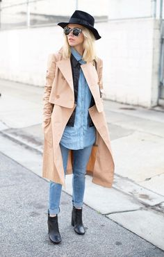 50 Spring Outfit Ideas To Copy - classic trench coat over a chambray shirt, matching cuffed denim + ankle boots