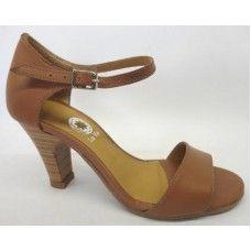 Sandália em couro Caramelo
