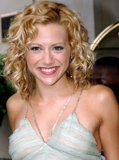 Brittany Murphy. Hair styles for naturally curly hair. Love this cute pixie cut :) perfect for summer! Just add mouse while hair is damp and let air dry. Easy as pie. 5 minute hairstyle.