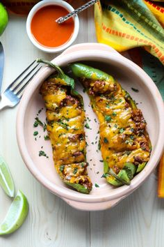 Stuffed Anaheim Peppers with Ground Beef, Mexican flavours and Cheese. A delicious, easy to make meal with just a hint of mild heat. Mexican Food Recipes, Beef Recipes, Dinner Recipes, Cooking Recipes, Healthy Recipes, Ethnic Recipes, Pepper Recipes, Mexican Dishes, Poblano Recipes