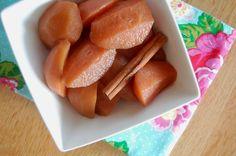 Stoofpeertjes in appelsap, met kruidnagel, kaneel en gember,, jummmmm lekker toetje vanavond
