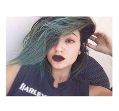 Kylie Jenner blue haircut