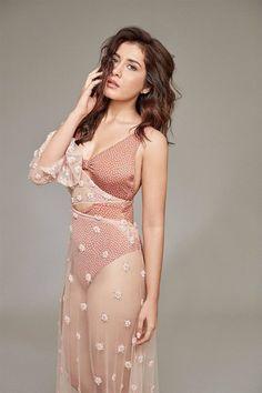 Beautiful Indian Model Rashi Khanna Hot Photoshoot Bollywood Wallpaper BOLLYWOOD WALLPAPER : PHOTO / CONTENTS  FROM  IN.PINTEREST.COM #WALLPAPER #EDUCRATSWEB