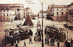 Der #Marktplatz #Karlsruhe vor rund 100 Jahren.  #visitkarlsruhe #visitbawu #tbt #historic #travel #travelblog #travelgram #old #longago #throwbackthursday #picture #blackandwhite #bwjetzt #placetobw #train #railroad #bestoftheday #instalike #city
